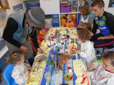 Les multi-accueil de l'Agglomération proposent de nombreuses activités pour les enfants de 0 à 3 ans.